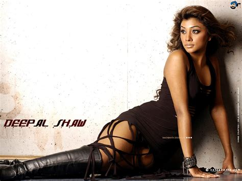 Deepal Shaw Wallpaper