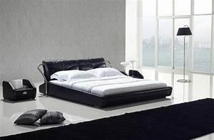 choisissez un lit en cuir pour bien meubler la chambre a With tapis de yoga avec canapé deux personnes