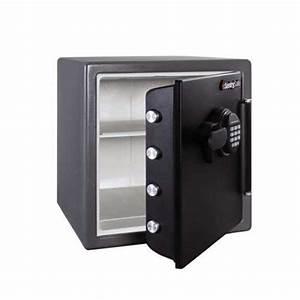 Coffre Fort A Clef : coffre fort ignifuge sentry safe sfw123fsc capacit 35 litres ignifuge 1h avec serrure clef a2p ~ Melissatoandfro.com Idées de Décoration