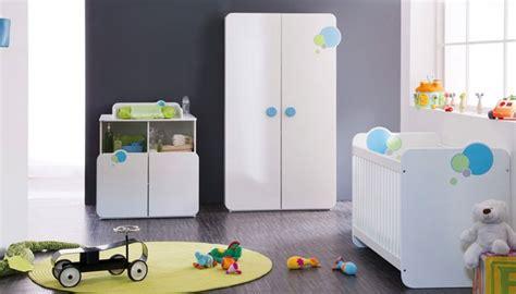 chambre de bébé conforama armoire bébé 2 portes avec penderie pour la chambre de