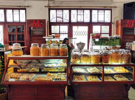 toko oen restoran zaman kolonial   eksis hingga