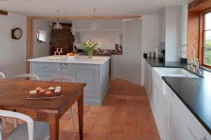 kitchen and floor decor 20 interiors that embrace the warm rustic of terracotta tiles