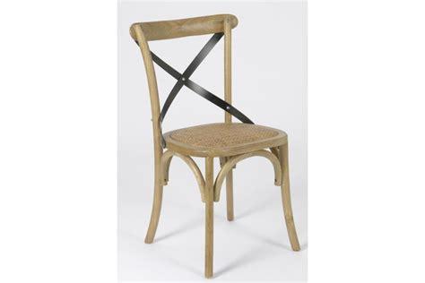 chaise bistrot metal chaise croisillon en bois massif bistrot hellin