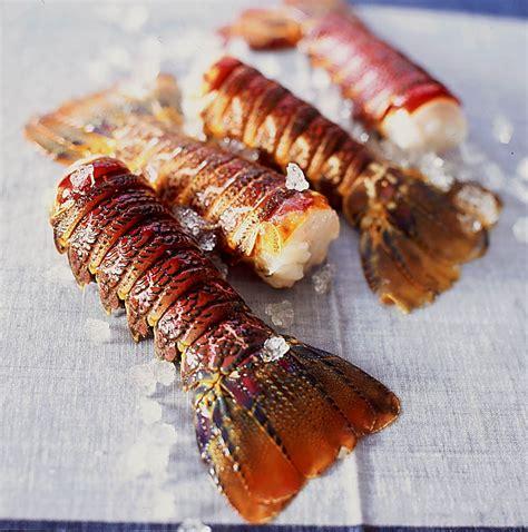 cuisiner queue de langouste queues de langoustes caramélisées recettes à table