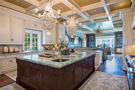 guess  price   magnificent estate home  port