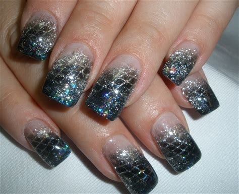 Fashionable New Years 2014 Nail Art Designs