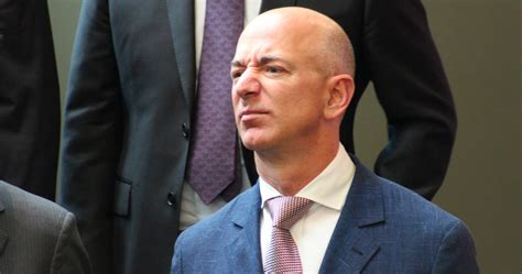 Amazon CEO Jeff Bezos' Mansion Attempted Burglary Turns ...