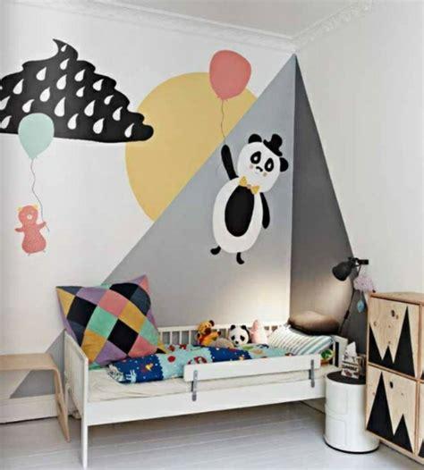 chambre panda idées originales pour une décoration murale en couleurs vives