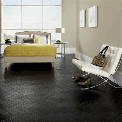 chambre avec lit noir chambre avec lit noir maison design wiblia com