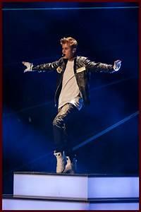 Justin Bieber: Billboard Magazine Cover and Capital FM's ...