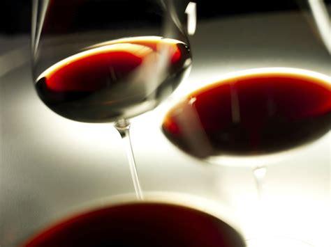 le canapé le plus cher du monde le vin le plus cher du monde coûte 14 000 euros la