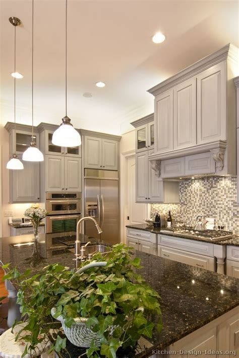 kitchen cabinets tall ceilings 715 best ranges hoods images on pinterest kitchen