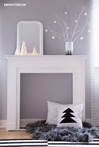 Kaminumrandung Weiß Modern : weihnachtsdeko kaminumrandung adventskranz aus beton ~ Michelbontemps.com Haus und Dekorationen