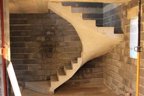 coffrage escalier balance beton scal in pour un constructeur de maisons individuelles dans l aude 11