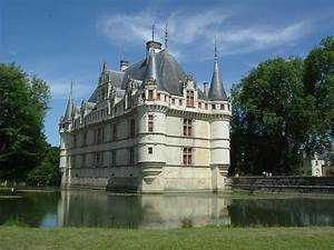 Loire Chateaux Challenge Cycling Holidays In France