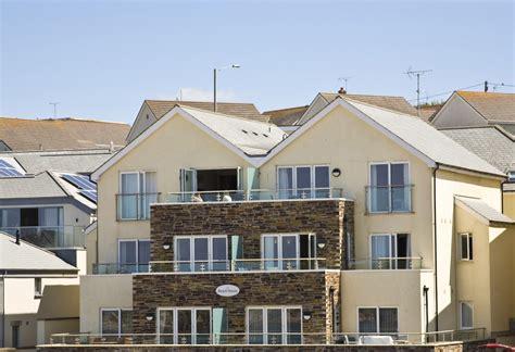 Beach House Apartments