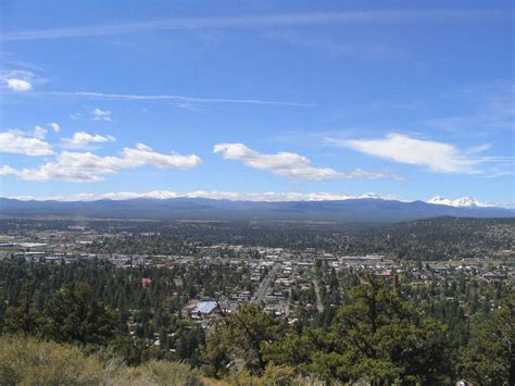Bend, Or  View Of Bend From Pilot Butte The Cascades In