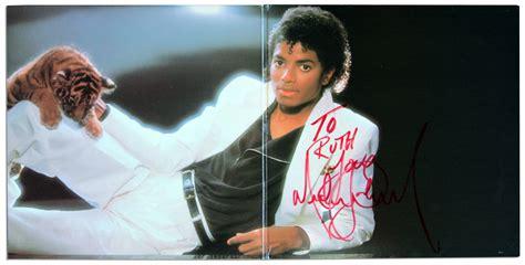 Michael Jackson ''thriller'' Album Signed