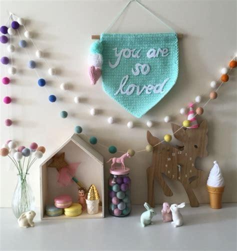 ideas  decorar los cuartos infantiles  guirnaldas