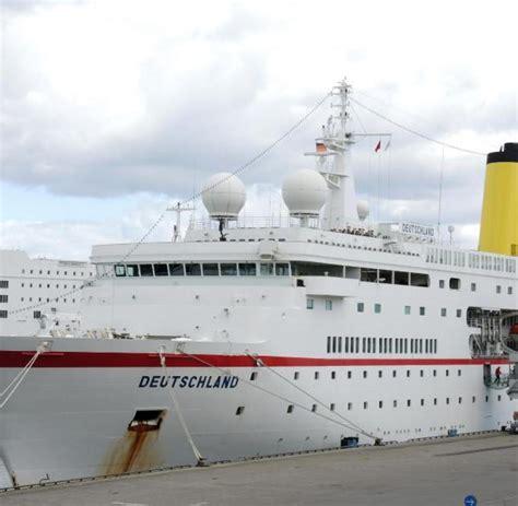 """Nicht nur kapitän parger und seine crew begeben sich auf dieser reise auf die. ZDF-Traumschiff """"Deutschland"""" in Kiel angelegt - WELT"""