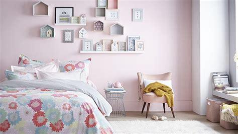 decoration murale chambre 5 idées pour décorer les murs de la chambre