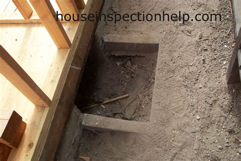 crawl space access opening