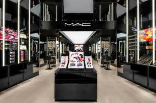 kitchen collection store locations mac apre negozio a roma vogue it
