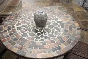 Mosaik Selber Fliesen Auf Altem Tisch : ein diy gartentisch im mosaikdesign als deko f r den garten ~ Watch28wear.com Haus und Dekorationen