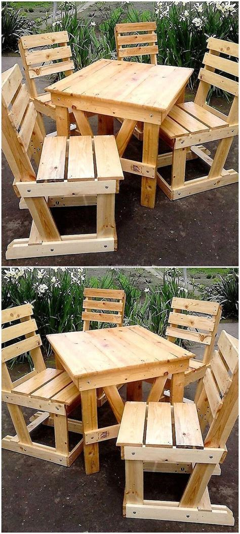 Furniture Made With Pallets by 25 Best Ideas About Pallet Furniture On