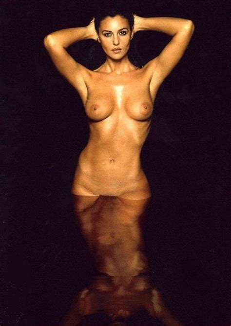 Monica Bellucci Full Frontal Naked Photo Shoot Porn Pic