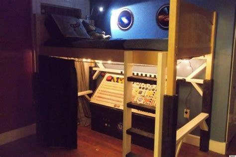 Spaceship Toddler Bed by Reddit User Jeremiahgorman Builds His A Diy Spaceship