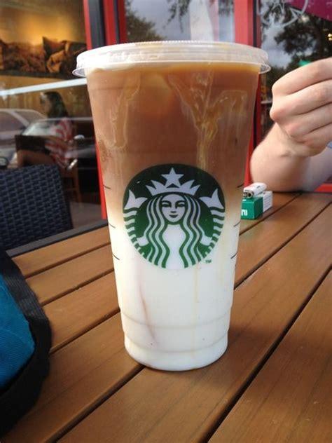 Includes 1 (40oz) bottle of starbucks caramel macchiato iced espresso beverage. Caramel Macchiato #Iced #Starbucks #Coffee #Caramelo #Vainilla #Cafe   Starbucks drinks ...