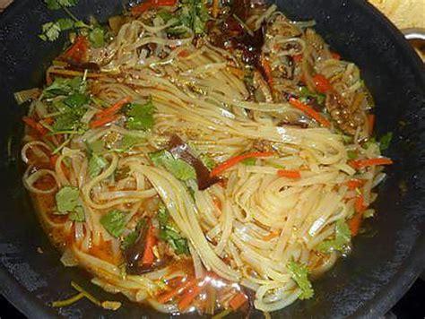 recette de soupe chinoise au porc et nouilles de riz