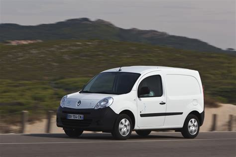 renault kangoo ze electric van coming  oz