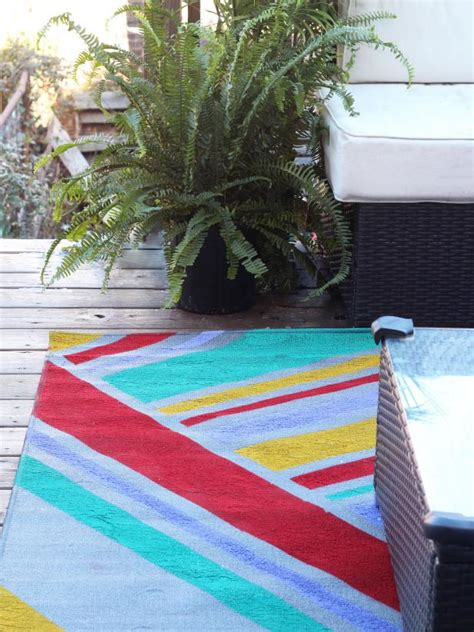 ways  dress   basic outdoor rug hgtv