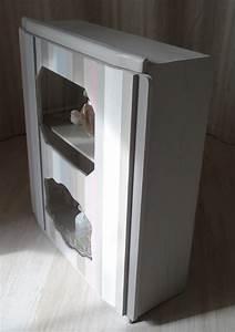 Armoire à Pharmacie Murale : petite vitrine murale ou armoire pharmacie anjoudeco ~ Dailycaller-alerts.com Idées de Décoration