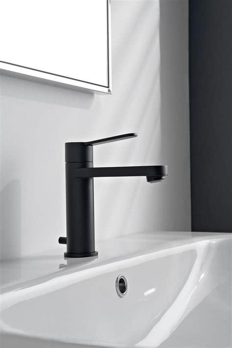 rubinetti per bagno rubinetti neri per un bagno moderno e chic cose di casa