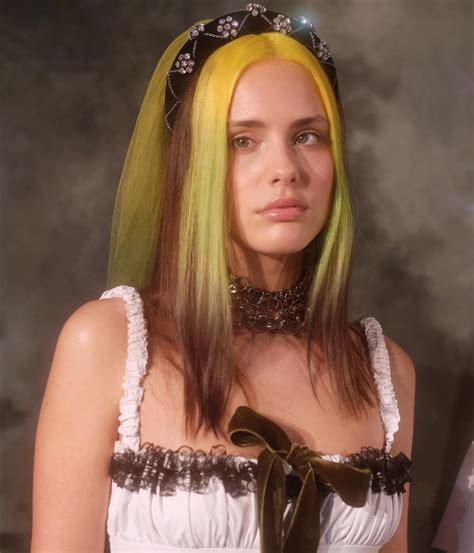 Aesthetic E Girl Dyed Hair Aesthetic Elegants