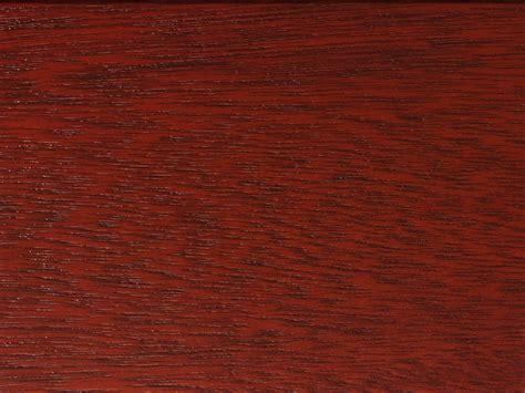 mahagoni holz farbe wie kombiniert man holz und farbe
