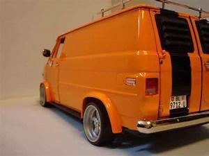 Auto 61 : chevrolet van orange highway 61 diecast model car 1 18 buy sell diecast car on ~ Gottalentnigeria.com Avis de Voitures