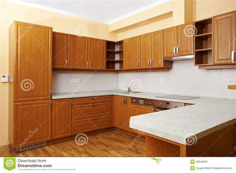 Cozinha De Madeira Moderna Imagem De Stock. Imagem De