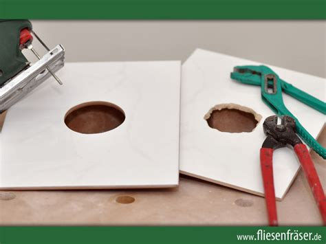 Fliesen Loch Bohren Steckdose by Easily Cuts Any Shape Into Tiles Blade Tile