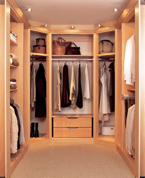 How To Design A Small Walk In Closet by How To Design A Walk In Closet In Your Bedroom
