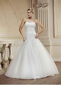 wedding dresses to flatter skinny girls paperblog With skinny wedding dresses