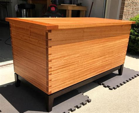 simplecove guild dovetailed blanket chest