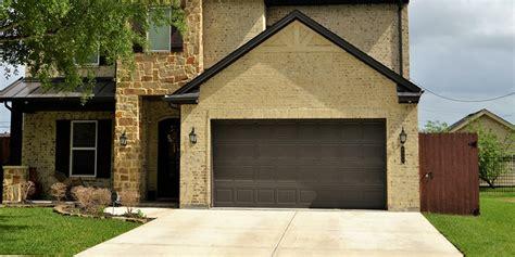 How To Paint A Metal Garage Door by Painting Metal Garage Doors