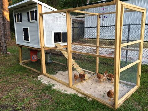 small chicken coop diy chicken coop gt gt fabulously vintage diy pinterest vintage photos and small chicken coops
