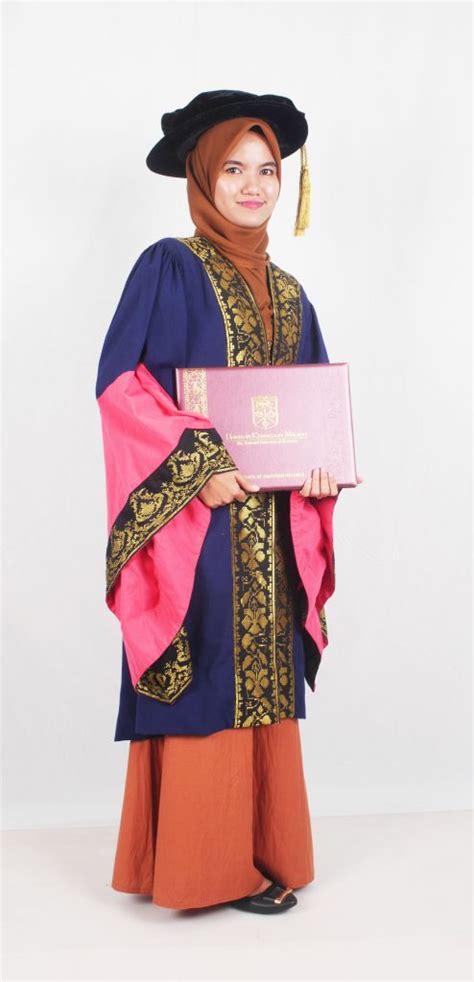 postgraduate gown konvokesyen ukm