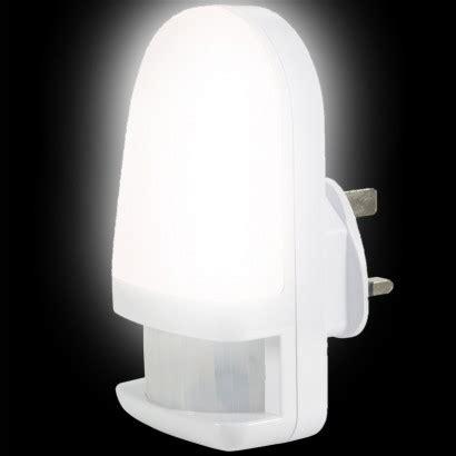 in led light with pir sensor