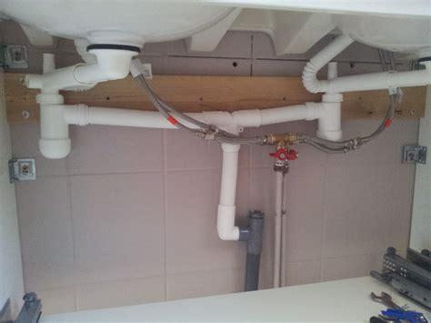 arriv 233 e d eau qui siffle fuite d eau forum d entraide